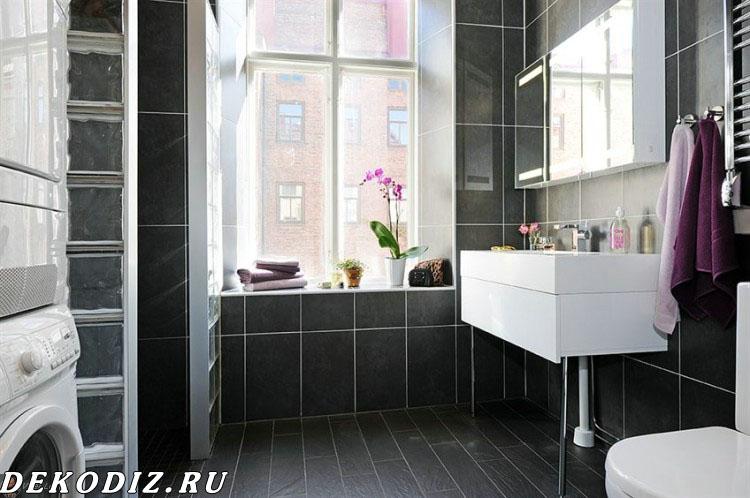 Ванная комната, вид на окно и раковину