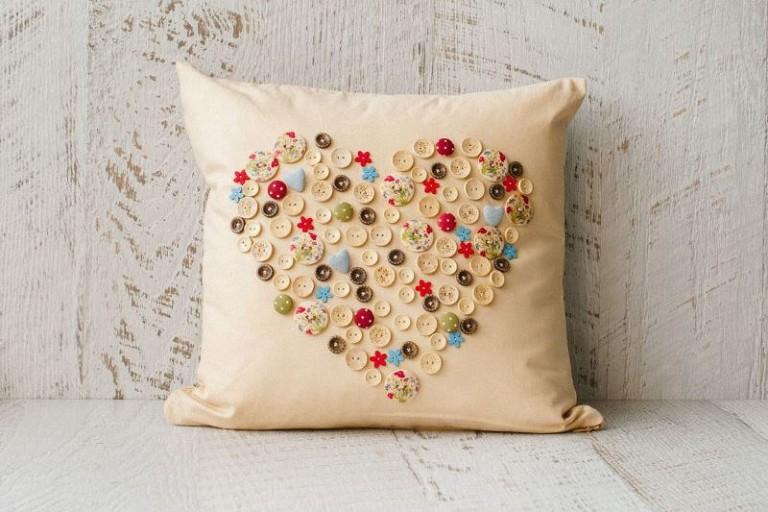 Декоративная подушка для дивана своими руками 21