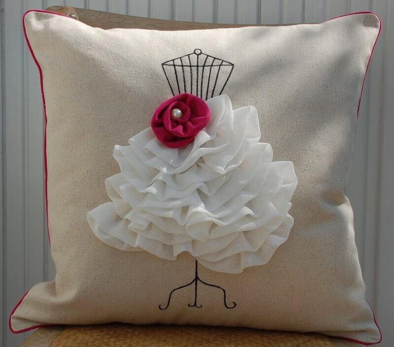 Как сшить красивую диванную подушку