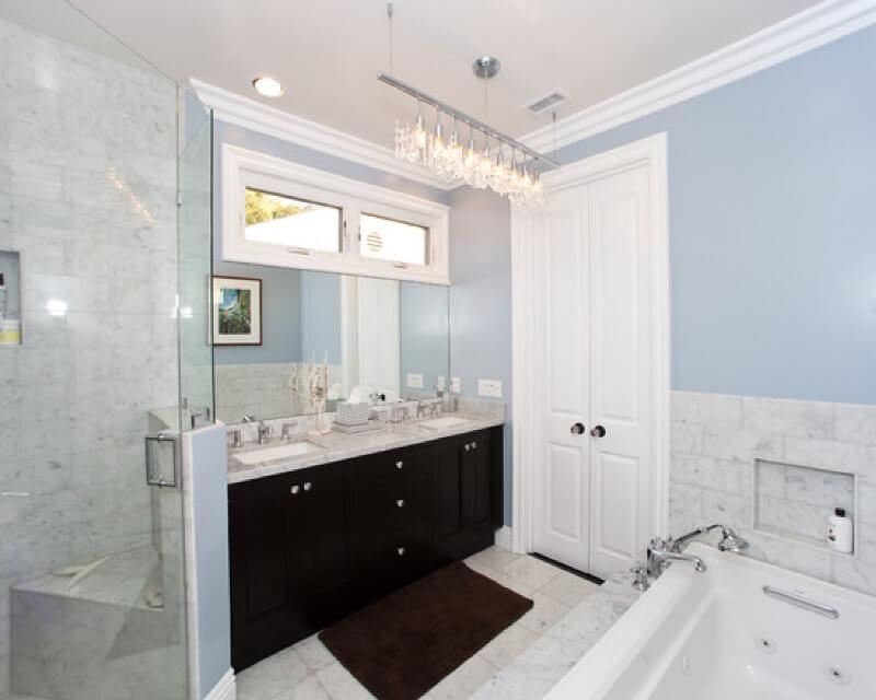 Контемпорари в интерьере ванной
