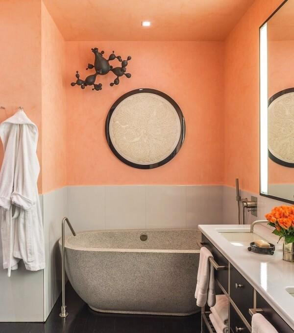 Персиковый цвет в ванной