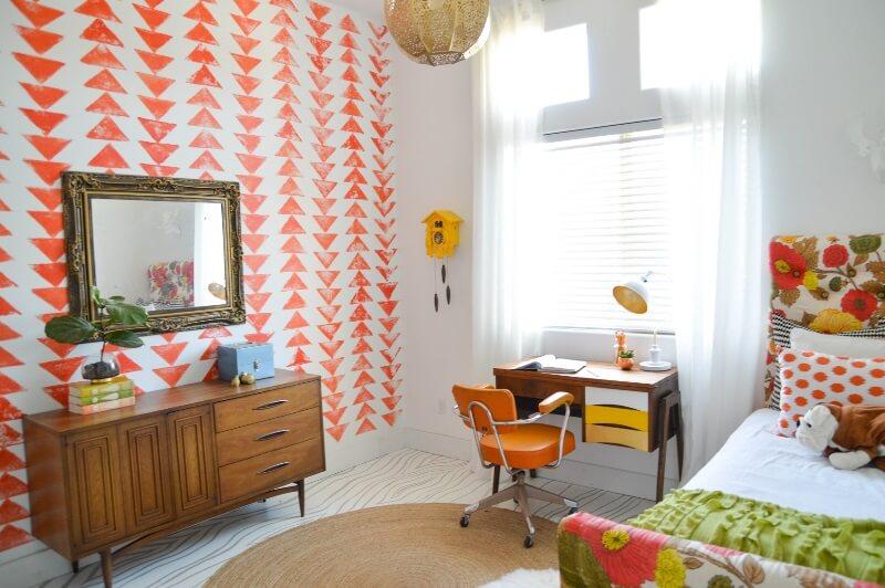 Яркий декор квартиры