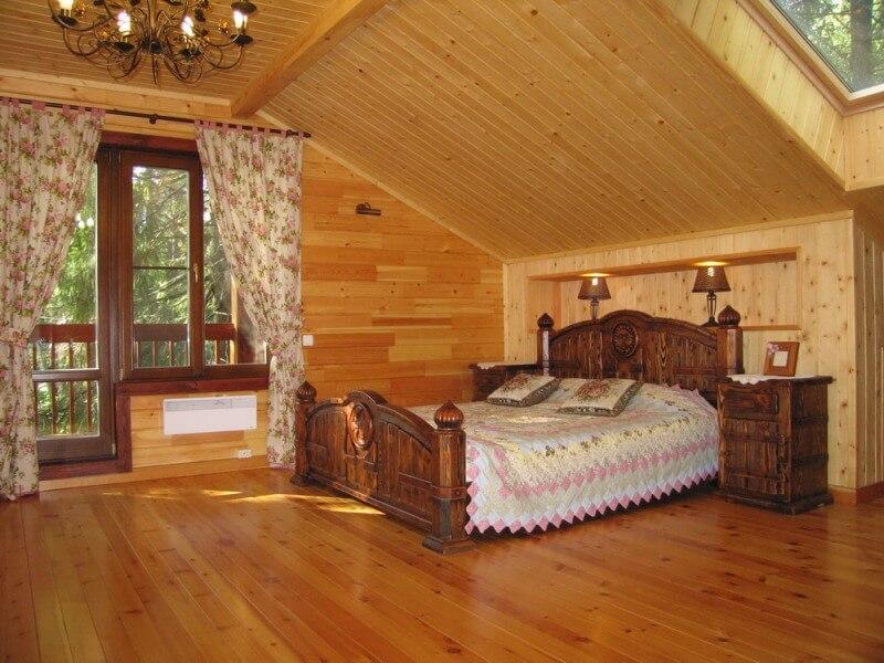 Лестница в деревянном доме своими руками: особенности