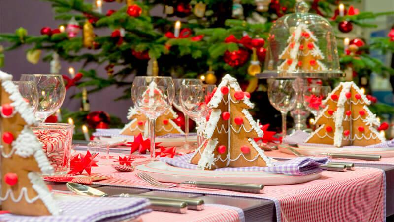 Новогоднее украшение на стол своими руками 48