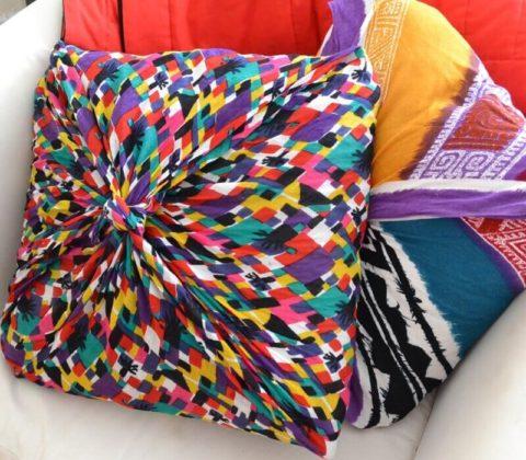 Подушки на диван своими руками: идеи и техники воплощения