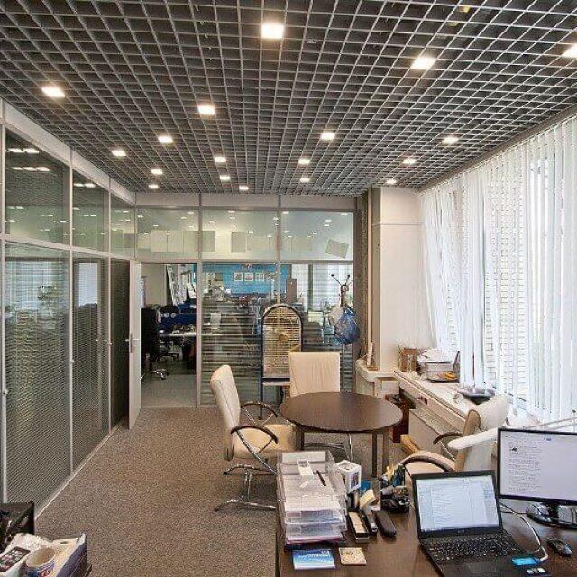 Встраиваемые потолочные светильники в интерьере