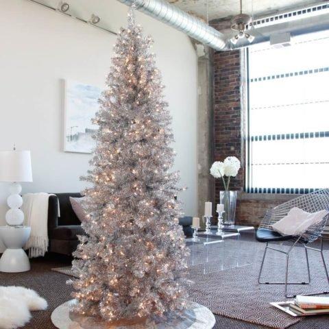 Новогодний и рождественский лофт: от двери до елки
