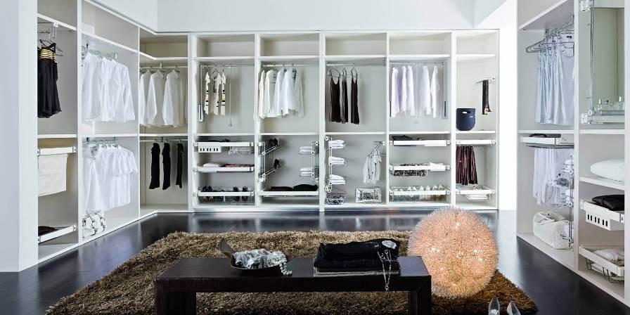 Оформление гардеробной комнаты