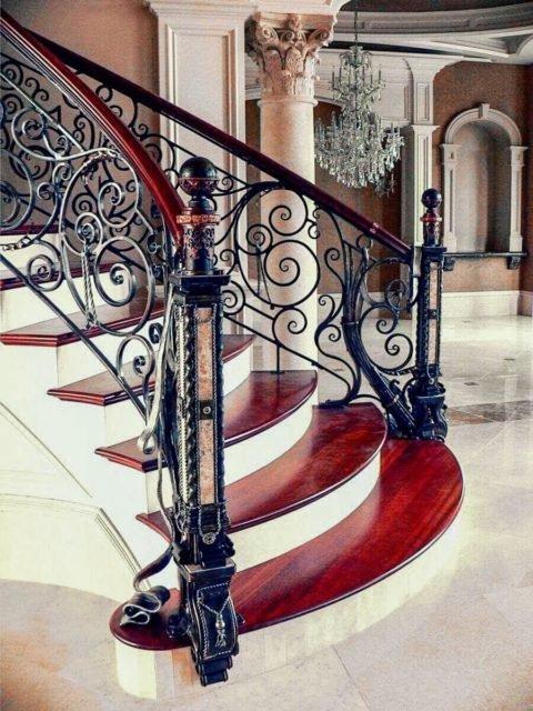Как выбрать кованые перила для лестниц