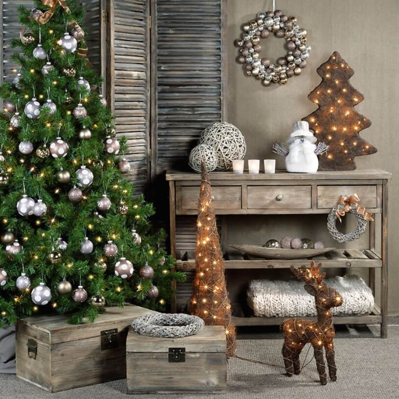 Новогодний декор и ёлка
