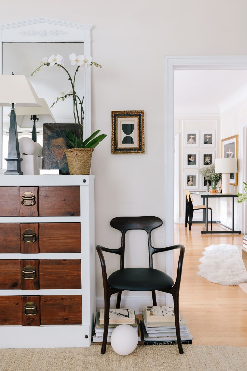 Контрастный интерьер квартиры