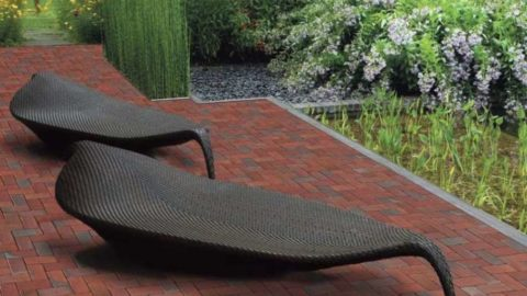 Тротуарный кирпич – красивое и практичное оформление экстерьера загородного дома
