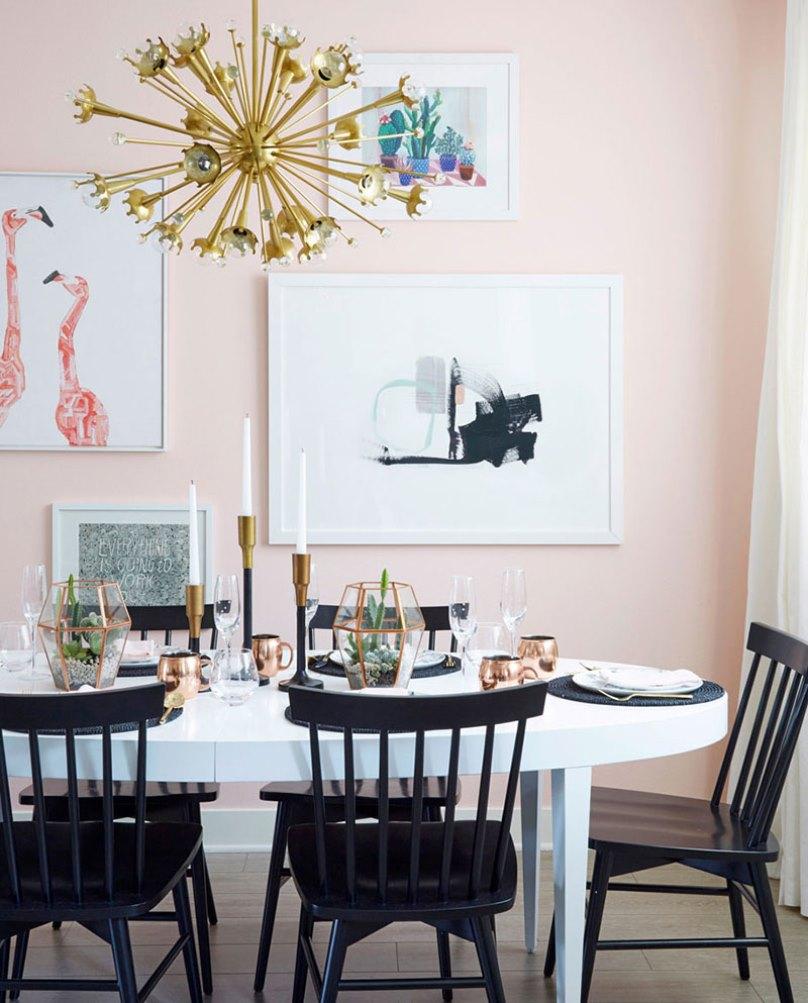 Столовая с розовыми стенами