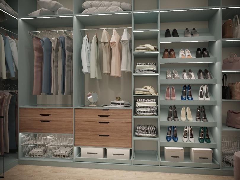 Большая гардеробная в доме
