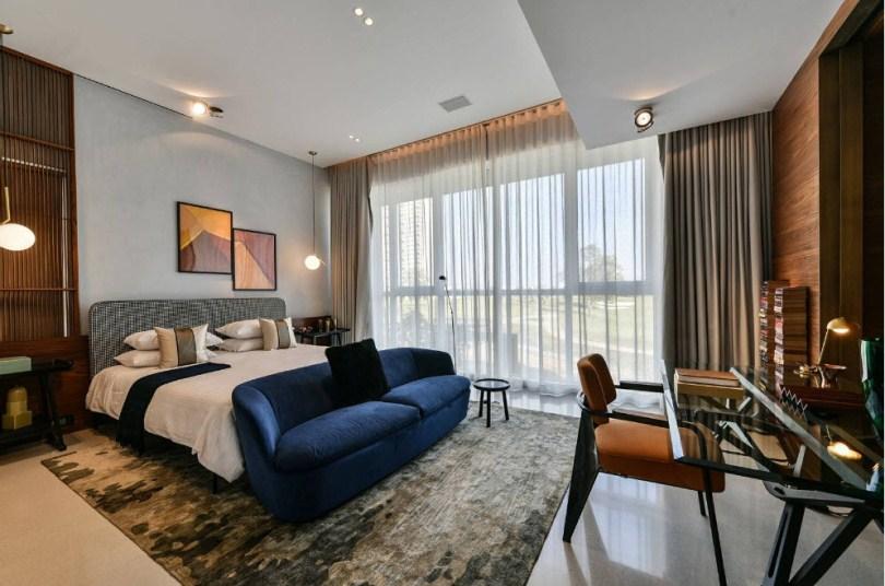 Спальня с натяжными потолками