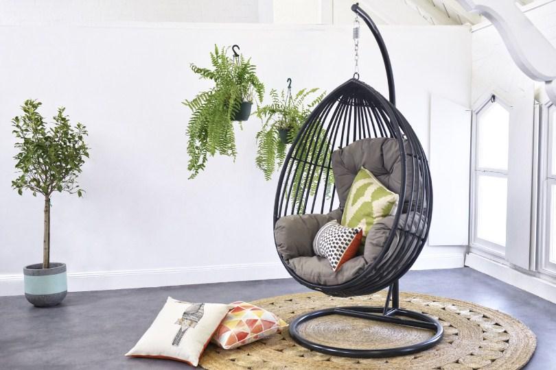 Серое кресло-кокон