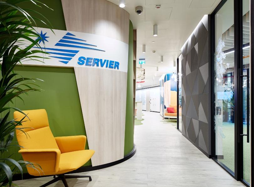Вход в офис Servier
