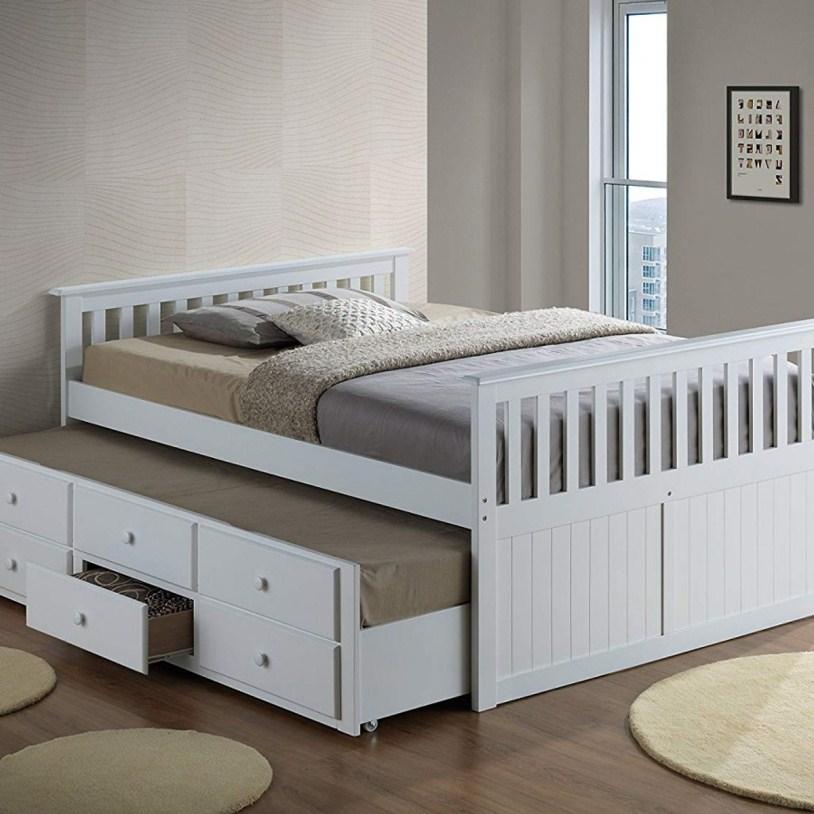 Кровать с ящиками внизу
