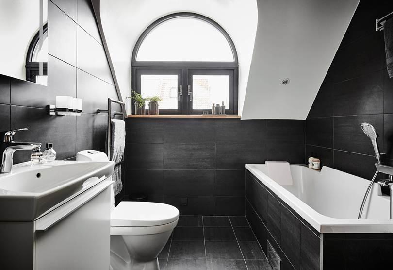 Окно-арка в ванной