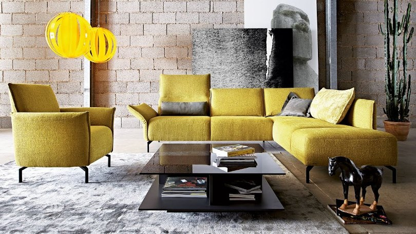Желтый диван и кресло