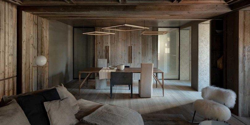 Квадратные светильники над столом