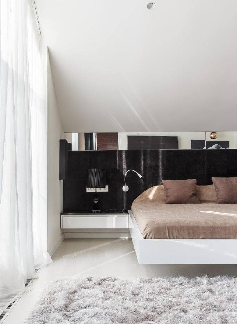 Черная перегородка в спальне