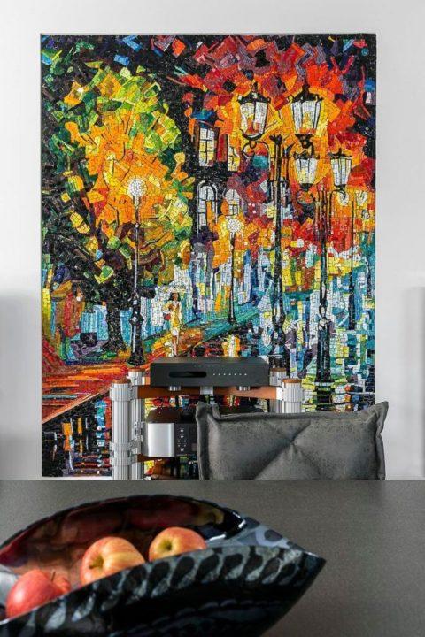 Картина мазками на против стола