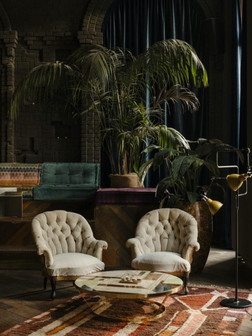 Кресла и пальмы