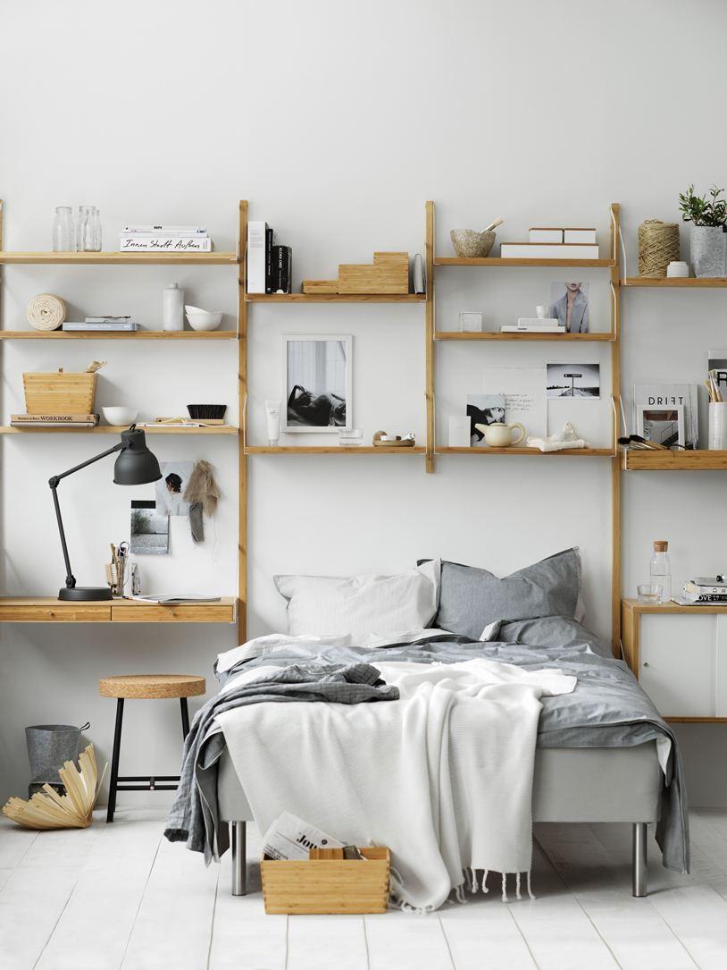 Кровать и стеллаж